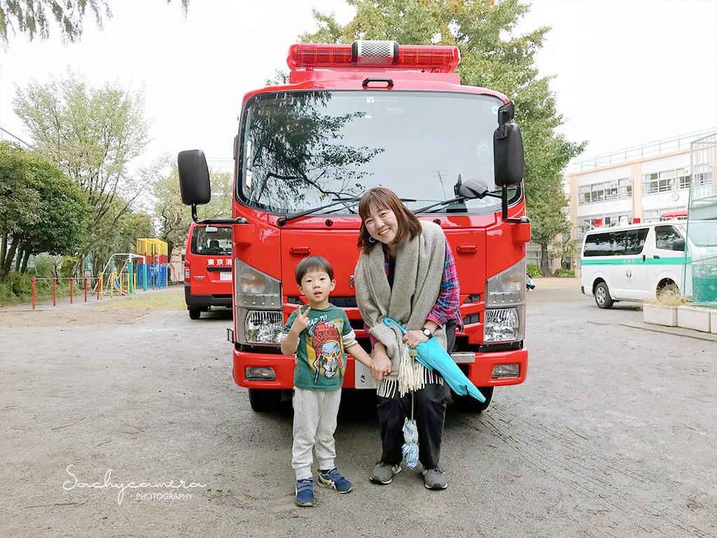 消防車と記念撮影2