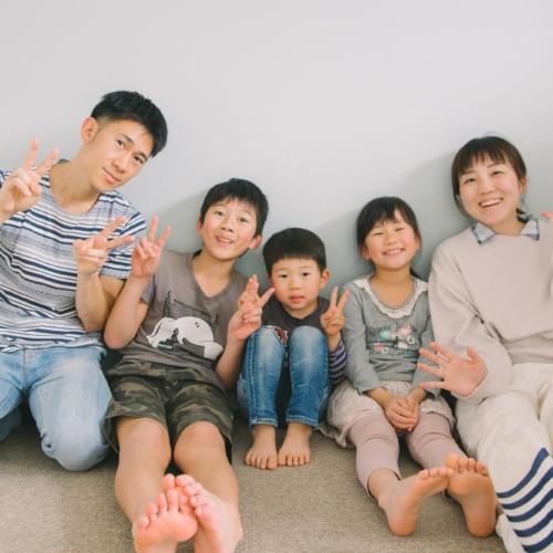 誕生日に家族の集合写真