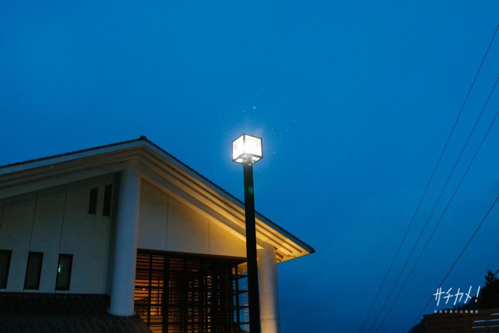 本谷温泉街灯